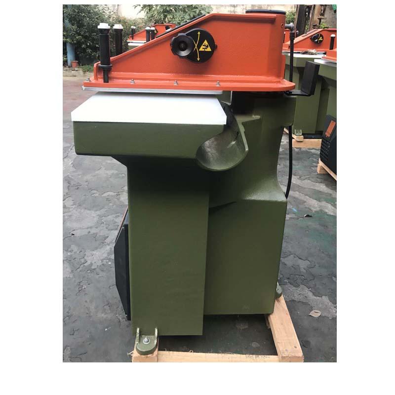 ใช้เครื่องตัด ATOM สร้างใหม่สำหรับรองเท้าหนังและกระเป๋า