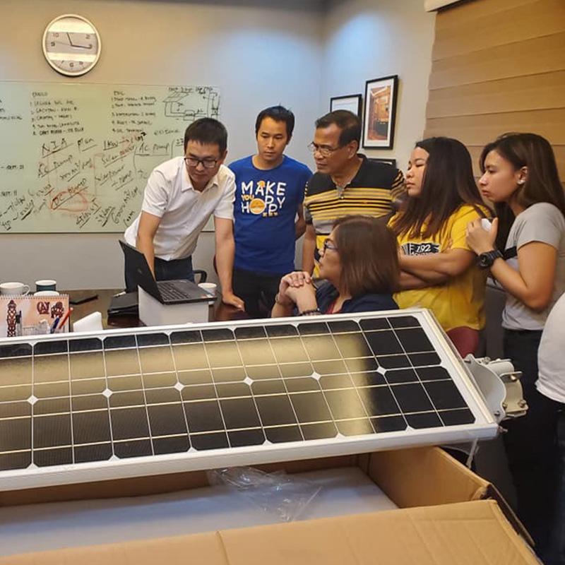 ยินดีต้อนรับรัฐบาลฟิลิปปินส์เลือกโคมไฟถนนพลังงานแสงอาทิตย์